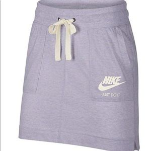 NWOT Nike Women's Fitness Active Skirt